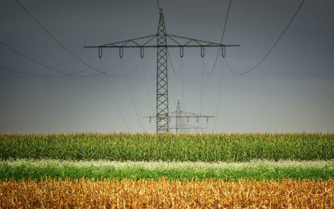 Die Überspannung eines Grundstücks mit einer Stromleitung - und die Einkommensteuer auf die Entschädigung