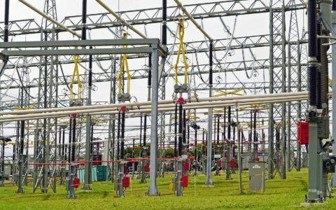 Netzentgelte - und der garantierte Eigenkapitalzinssatz für die Gas- und Elektrizitätsnetze